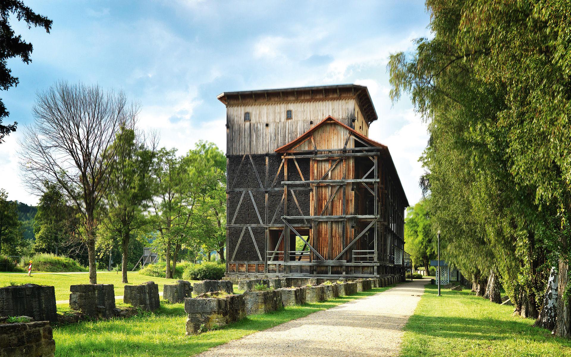 Weg zum Gradierwerk in Bad Kissingen