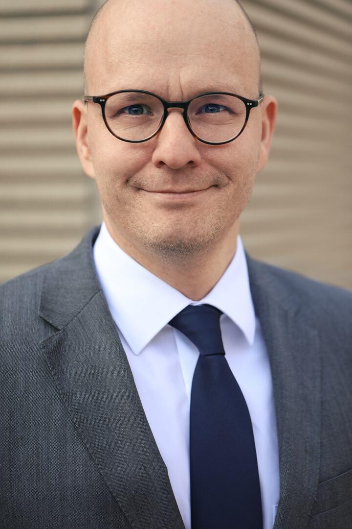 Dr. Dirk Vogel