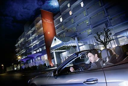 Aussenansicht_Hotel_Nacht