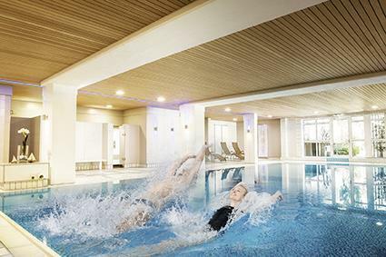 Sportschwimmbecken